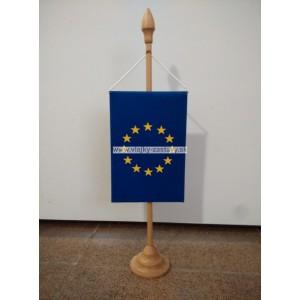 Stojan pre stolové vlajky-drevený